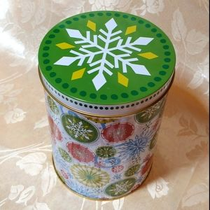 Colorful Snowflakes Theme Round Tin